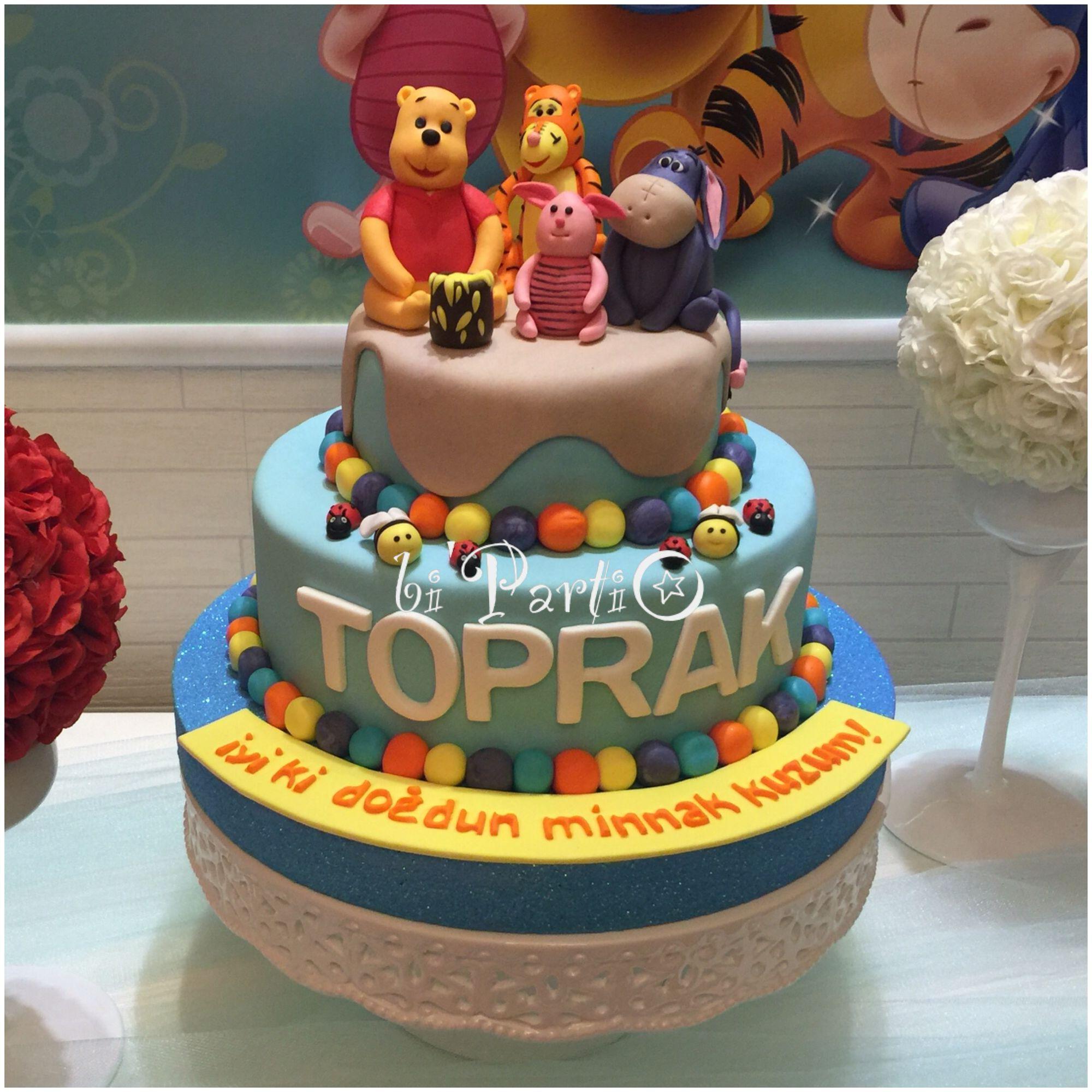Winnie the pooh cake,Winnie cake, fondant Winnie, first birthday cake.