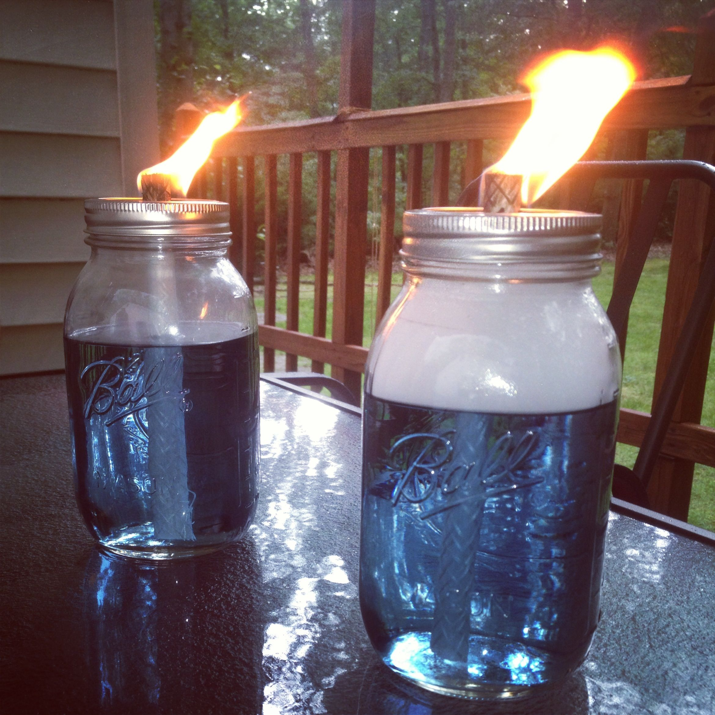mason jar tiki torches astuces jardin pinterest jardins astuces et astuce jardin. Black Bedroom Furniture Sets. Home Design Ideas