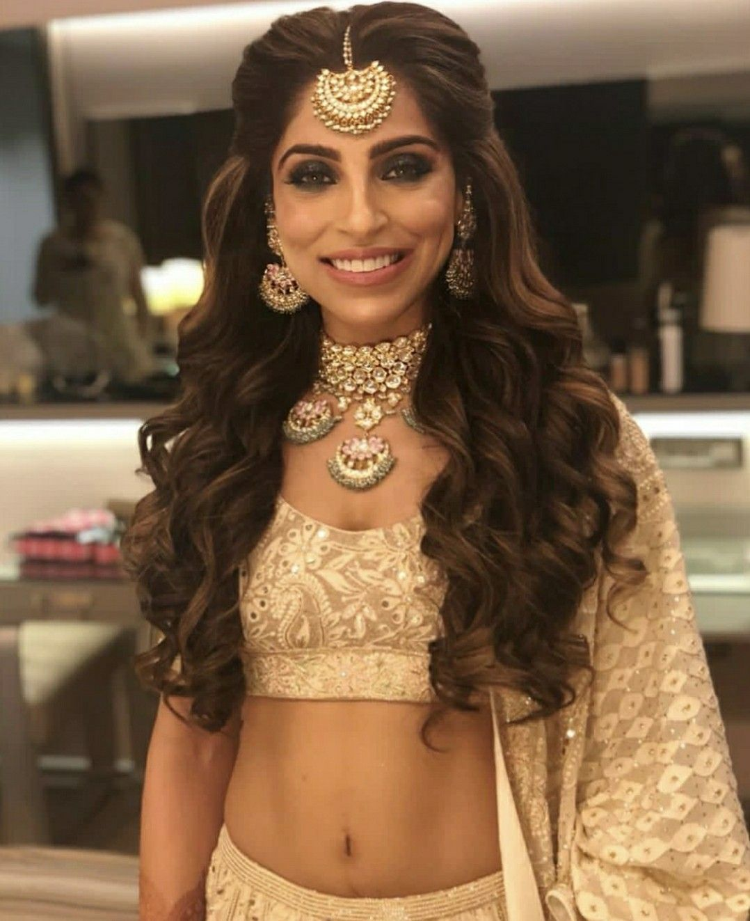 pinterest • @bhavi91   hair styles in 2019   bridal hairdo
