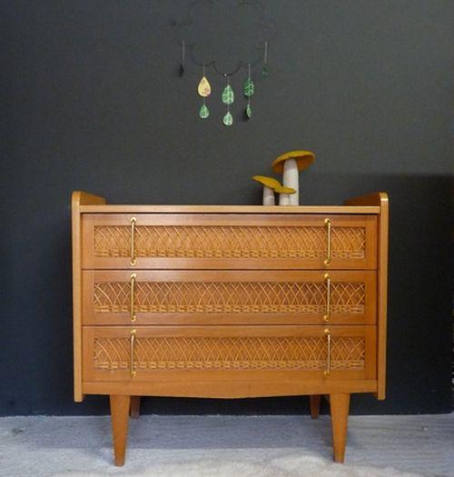 green vintage meubles vintages pour enfants chouchout s avec des chambre b b rotin. Black Bedroom Furniture Sets. Home Design Ideas