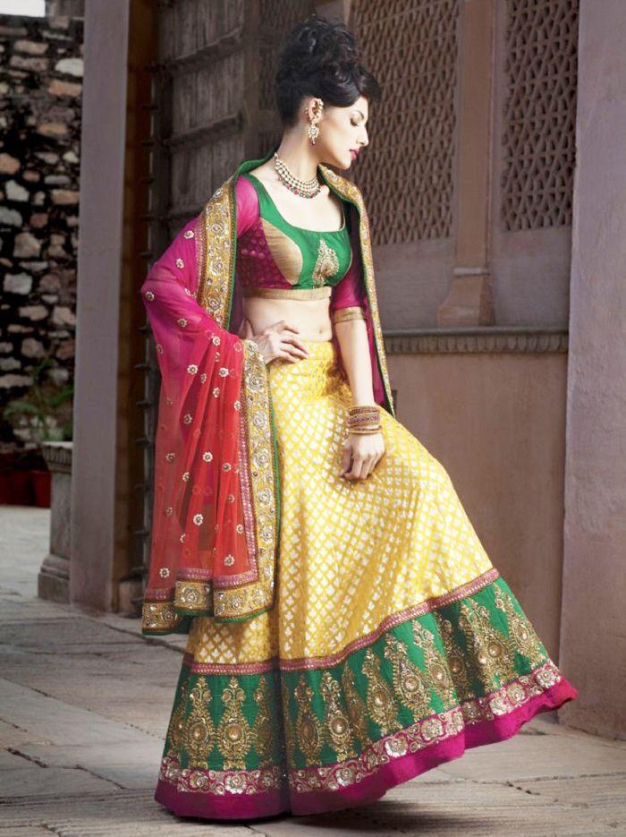 Latest bridal mehndi dresses collection 2016 2017 for Pakistani wedding mehndi dresses