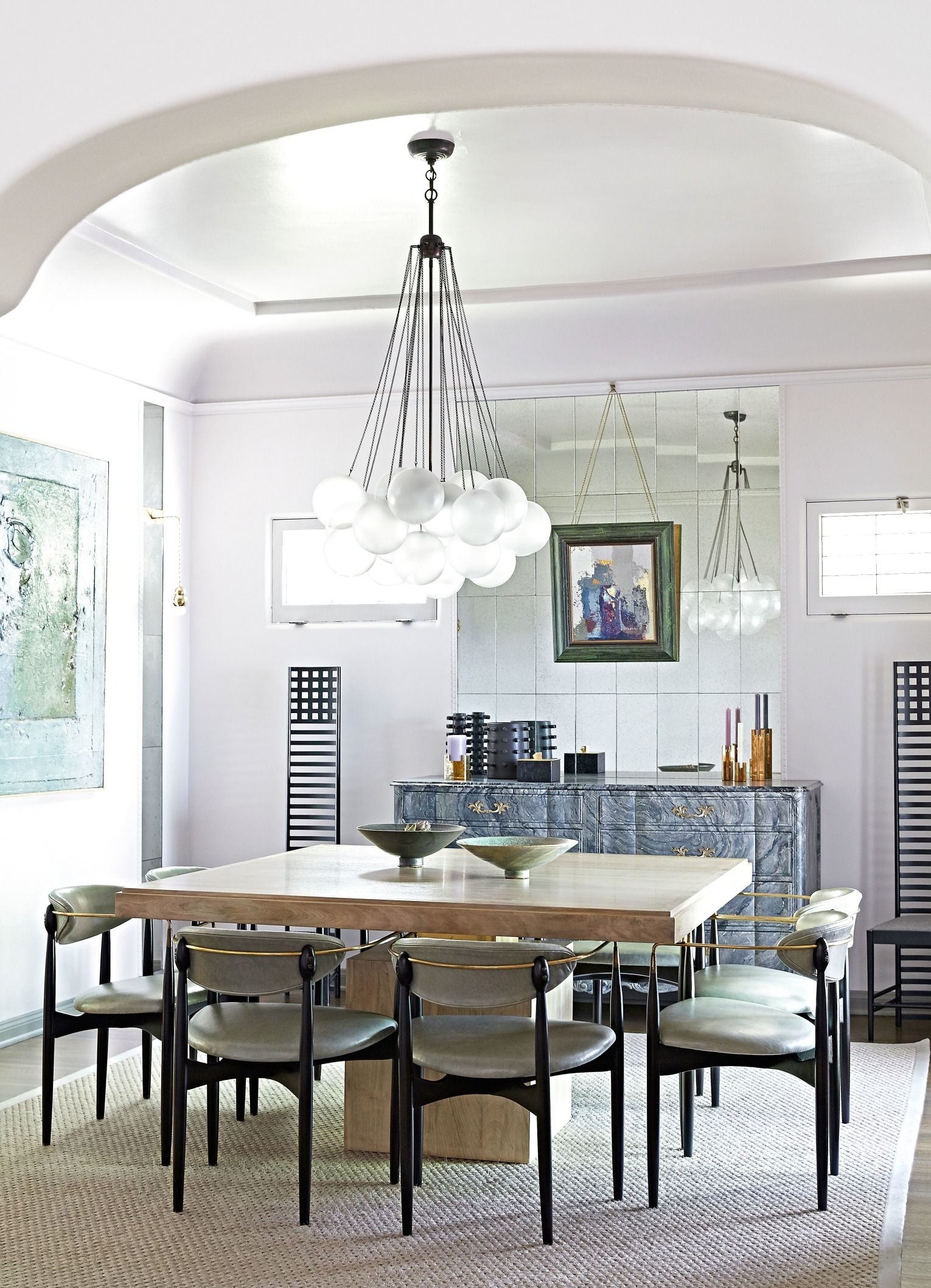 A Spanish Style 1920s Bungalow Gets A Modern Makeover Dinner Room Dining Room Design Oak Dining Table