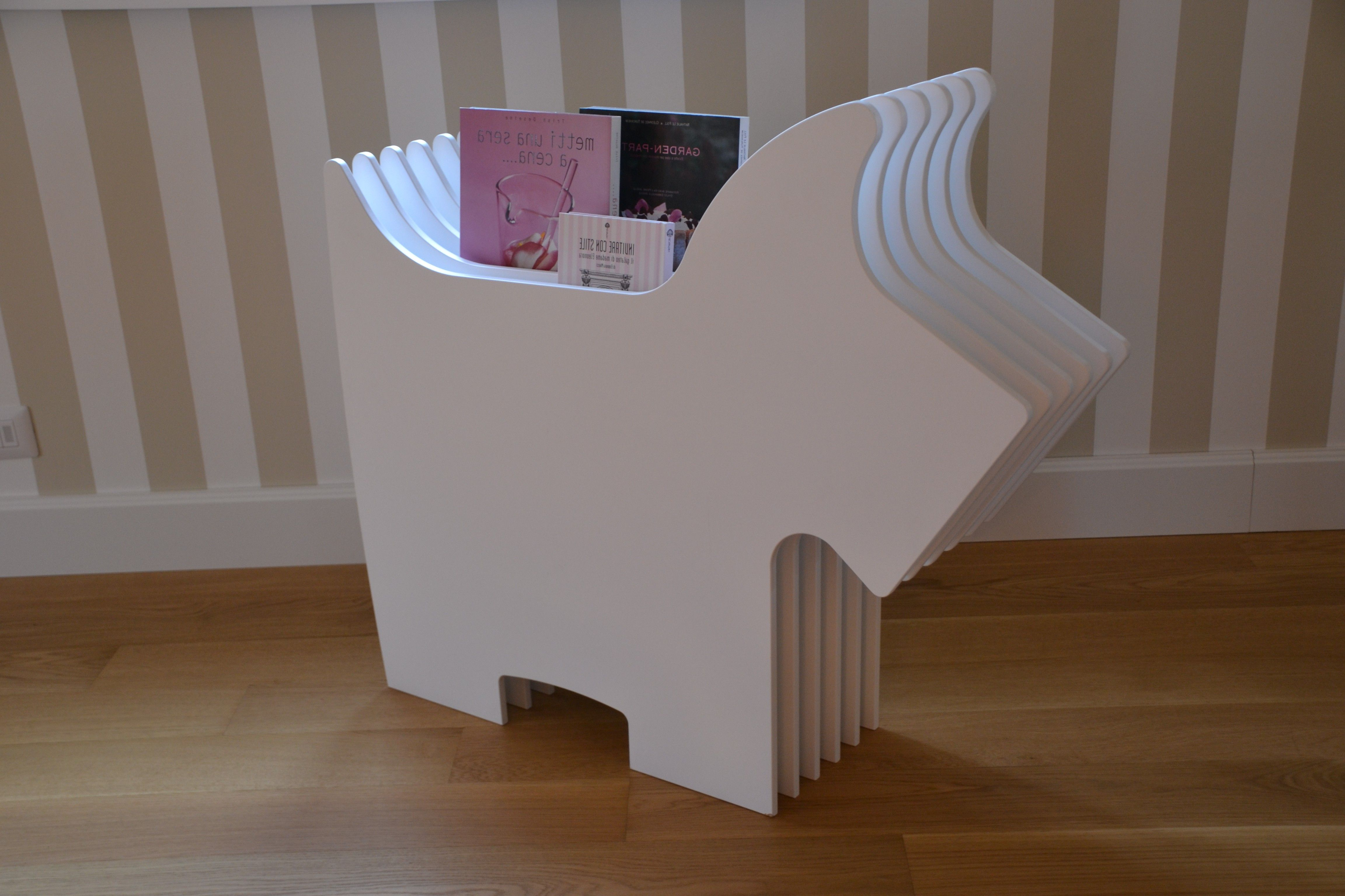 #Charlie #CharlieeLolaProject #magazinerack #coffeetable #chair #bedsidetable #mdf #handmade #madeinitaly #madewithlove