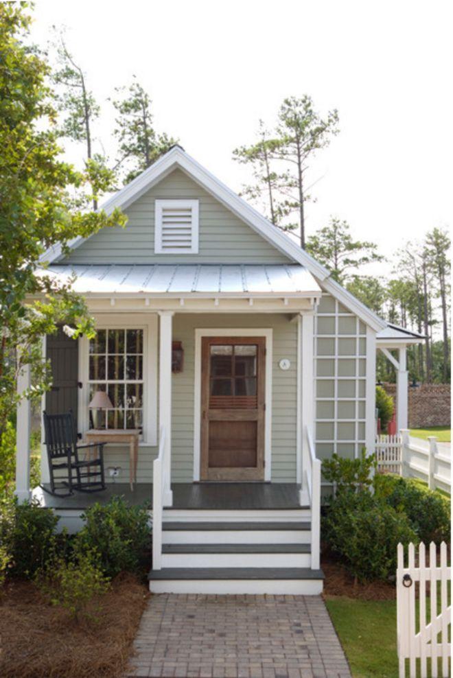 493 Square Feet Farmhouse Like Tiny Abode Boasts 1940s Inspired Stylish Bathroom Tiny Farmhouse Tiny Cottage Small House Living