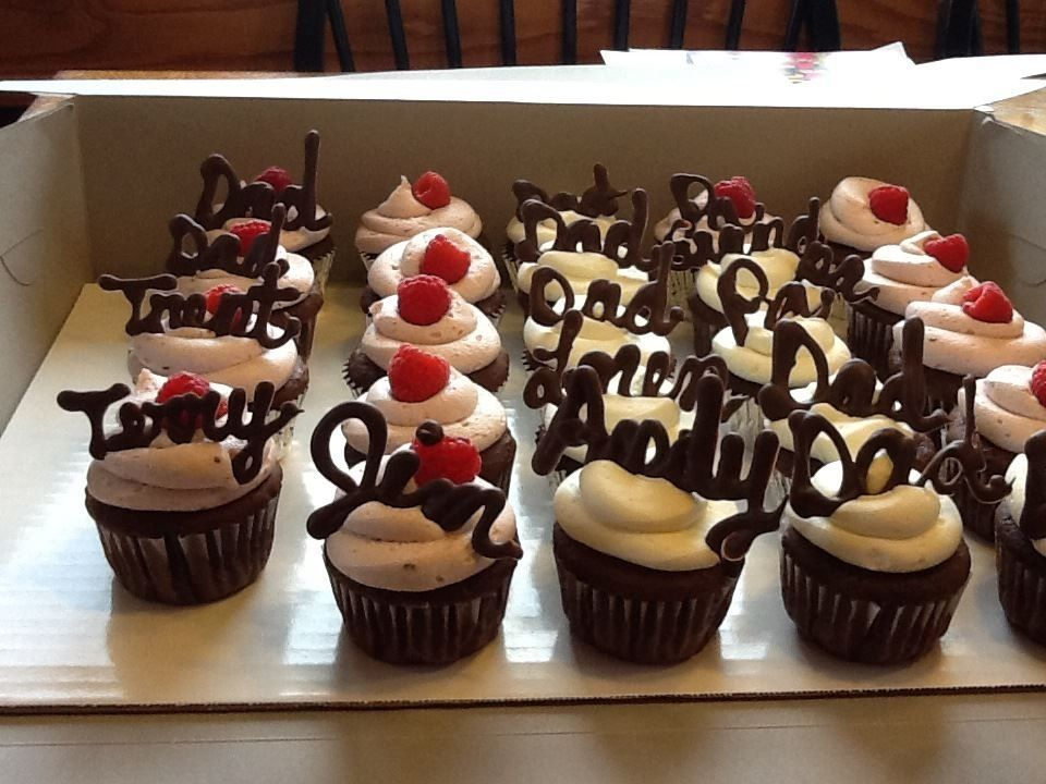 Easy Idea For Cupcake Toppers Melt Chocolate And Write Out Names