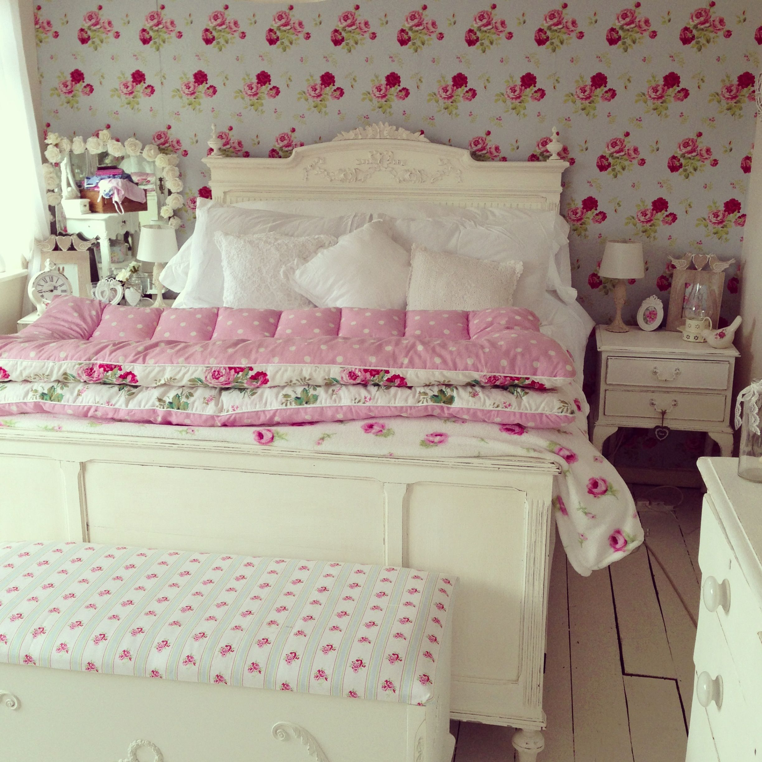 Shabby Chic Vintage Bedrooms: Home/Shabby Chic Inspiration In
