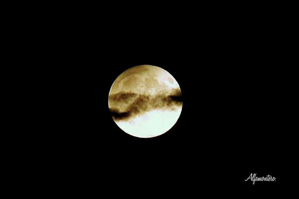 Eclipse del 2016  o Luna de la Cosecha.  Eclipse Penumbral.  Desde el  Parque Canterac.,Valladolid, Oscar Montero Alfageme,