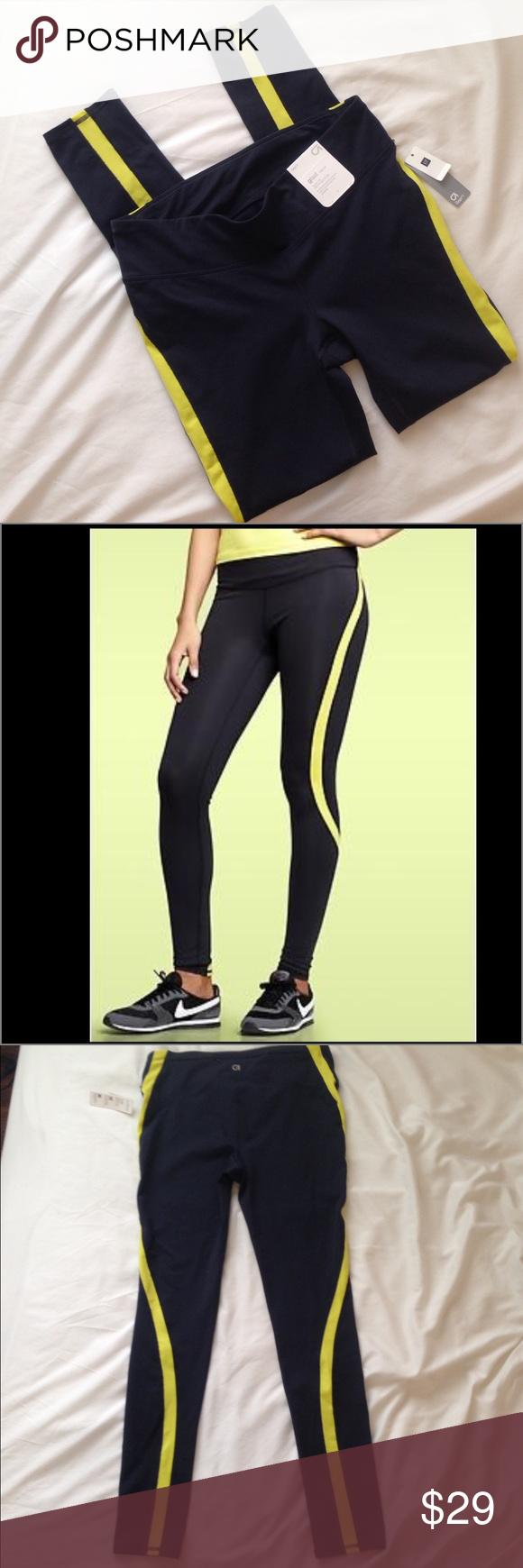 GapFit gFast colorblock leggings Regular rise, fitted through the leg, contoured slimming seams, built-in pocket secures valuables. Gap Pants Leggings