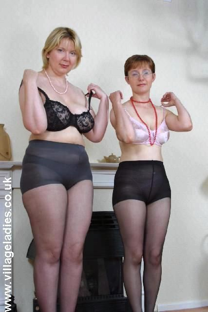 Matura lesbian pantie hose