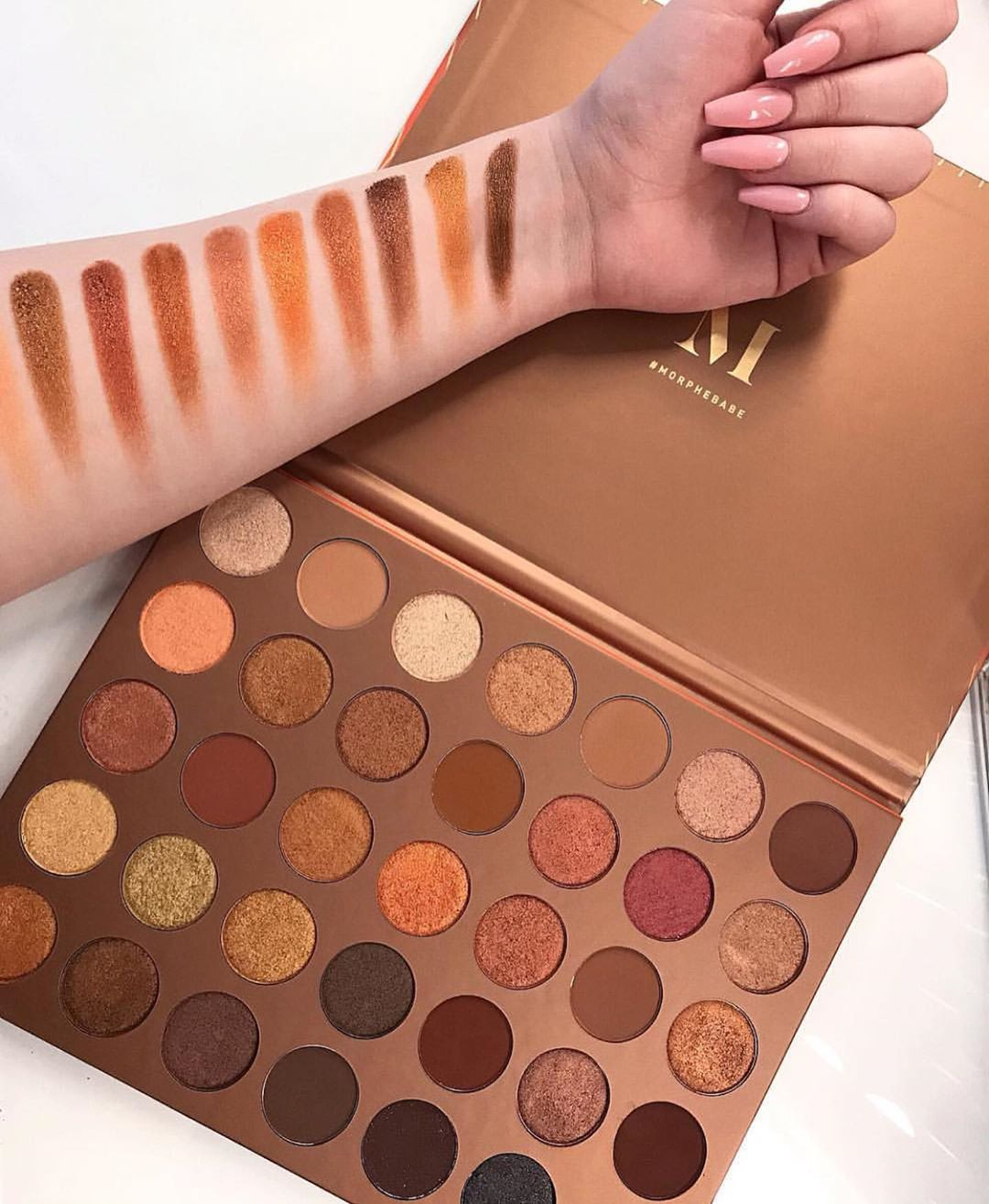 35g Eyeshadow Palette By Morphe لوحة ظلال الجفون بألوان ذهبية و ترابية من مورفي Benefitcosmetics Makeup Beauty Usa Morocco Travel Shoppingonline
