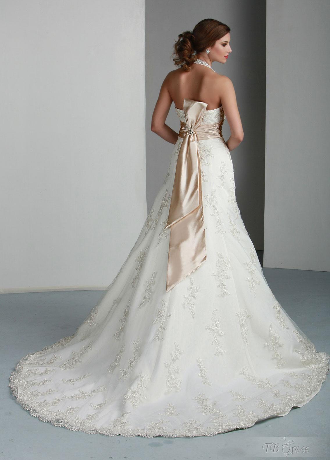 Fantastic aline halter sleeveless floorlength chapel lace wedding