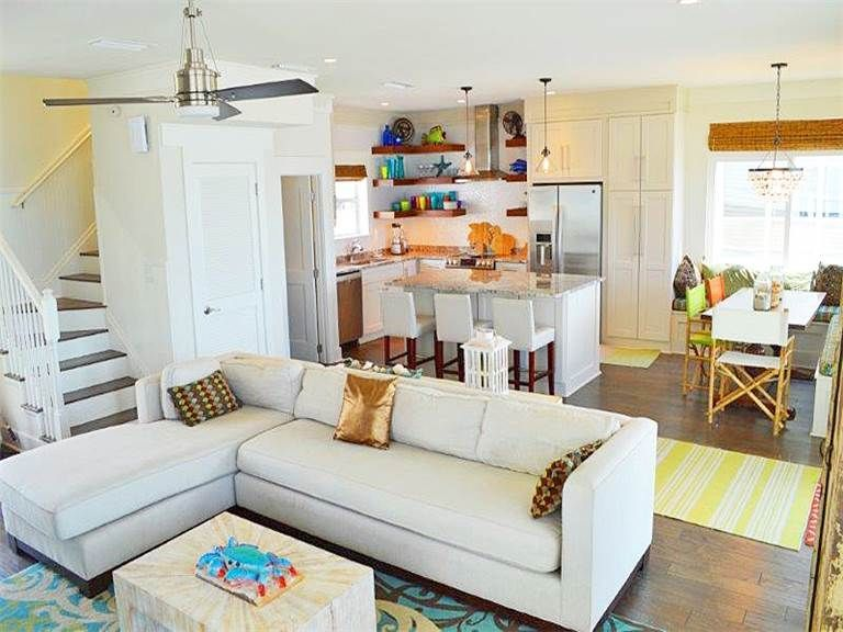 ** Upgraded 3 Bedroom Home On The Beach, The... - VRBO