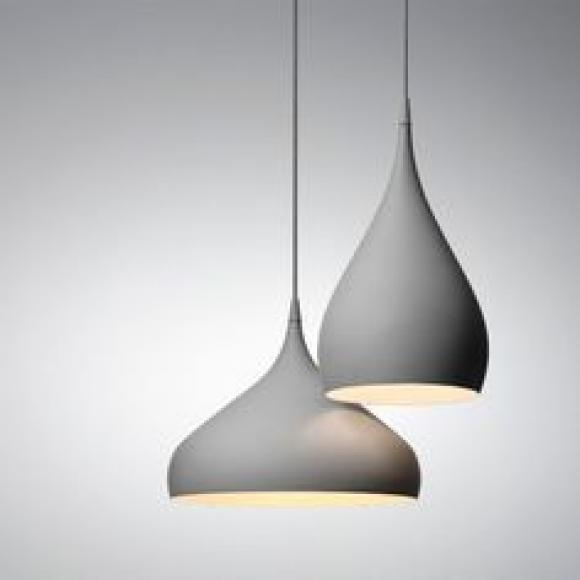 Spinning Light Pendelleuchte Tradition Furnituredesigns In 2020 Pendelleuchte Lampe Esstisch Lampen Esszimmer