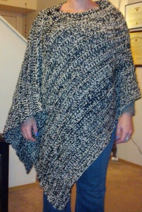 My first snuggly warm poncho! So easy! Thanks Dandelion Dreamers ...