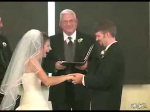 Bride Can T Stop Laughing During Wedding Vows Laugh Wedding I Love To Laugh