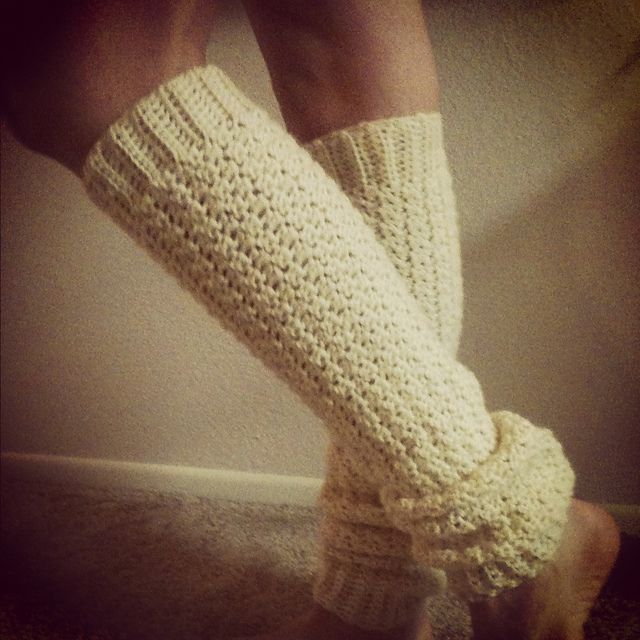 "Free pattern for ""Draft Dodger Leg Warmers""! Added to my ravelry queue!"