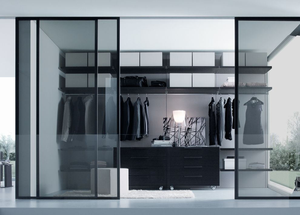 31 Spectacular Examples Of Walk In Wardrobes Glass Closet Glass Doors Interior Closet Designs