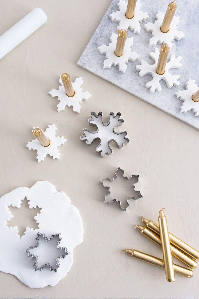 Photo of Let it snow: Schneeflocken-Kerzenhalter aus Modelliermasse – Sinnenrausch – Der kreative DIY Blog fü