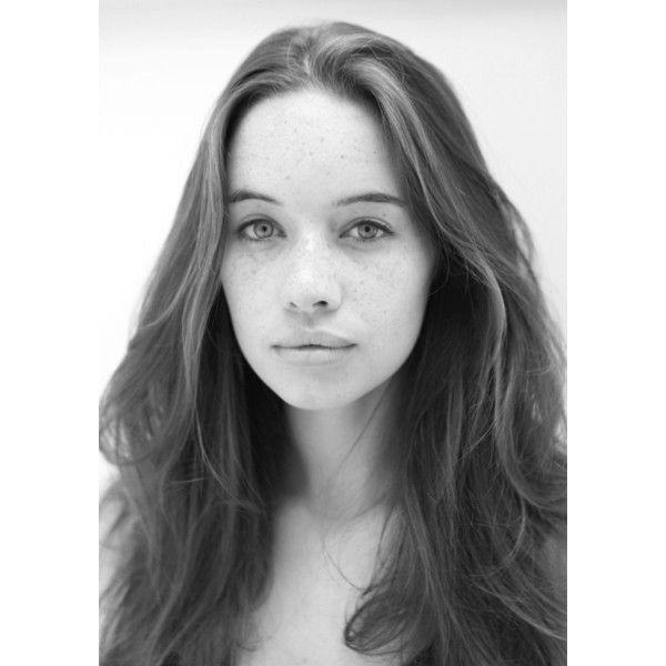 Photos of Anna Popplewell ❤ liked on Polyvore featuring anna popplewell, people, black and white and pictures