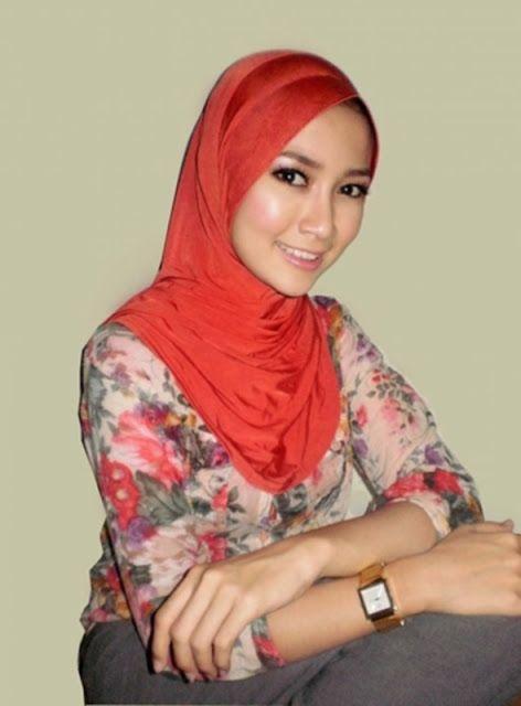 Abg Jilbab Bugil: Foto Cewek Montok Jilbab Hot 1
