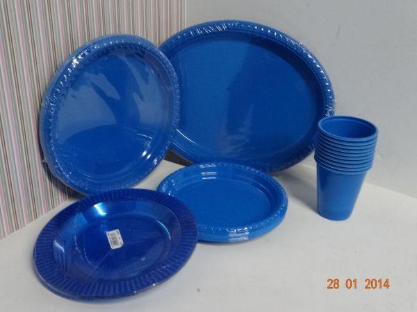 Platos Vasos Y Bandejas Desechables En Color Azul Rey