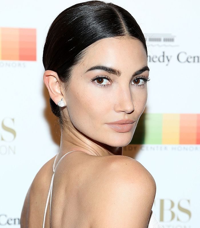 From Kaia To Kendall The Best Advice 12 Celebs Learned From Their Moms Natural Skin Care Organic Skin Care Simple Skincare
