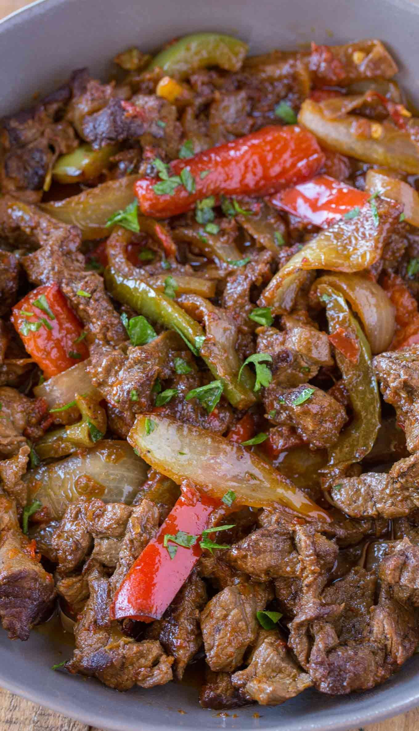 Beef Fajita Skillet made with flank steak, bell peppers, onions and a homemade fajita seasoning with just 4 smart points per serving! | #weightwatchers #ww #weightwatchersrecipes #beeffajitas #fajitas #mexicanrecipes @healthymexicanfood #cookingwithpoints #healthybeefrecipes #lowcalorie @dietrecipes #healthyfood #homemadefajitaseasoning Beef Fajita Skillet made with flank steak, bell peppers, onions and a homemade fajita seasoning with just 4 smart points per serving! | #weightwatchers #ww #weig #homemadefajitaseasoning
