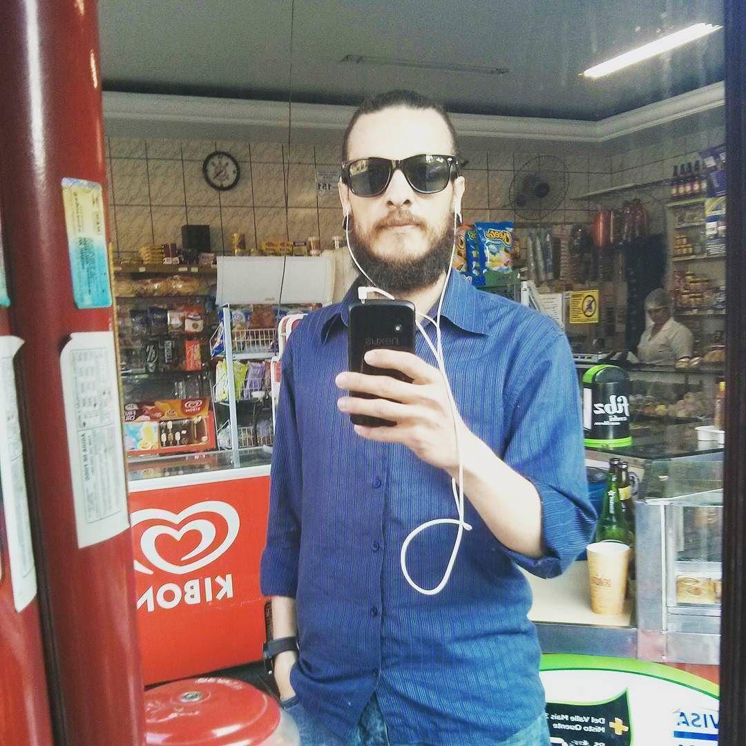 "#NowPlaying: #LetraCast 01 ""Azul da cor do mar"" de #TimMaia | #azul #blue #Podcast #sunglasses #beard #bearded"