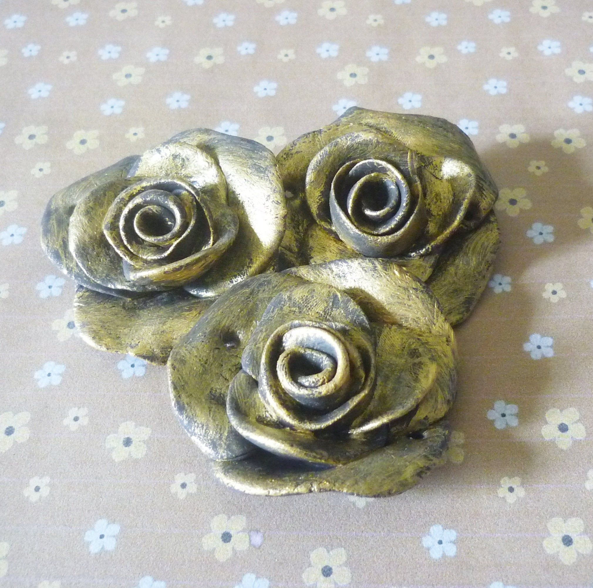 Wholesale rose gold gold black flower rose heads 5 cm Bulk jewelry supplieslarge charmsandblack