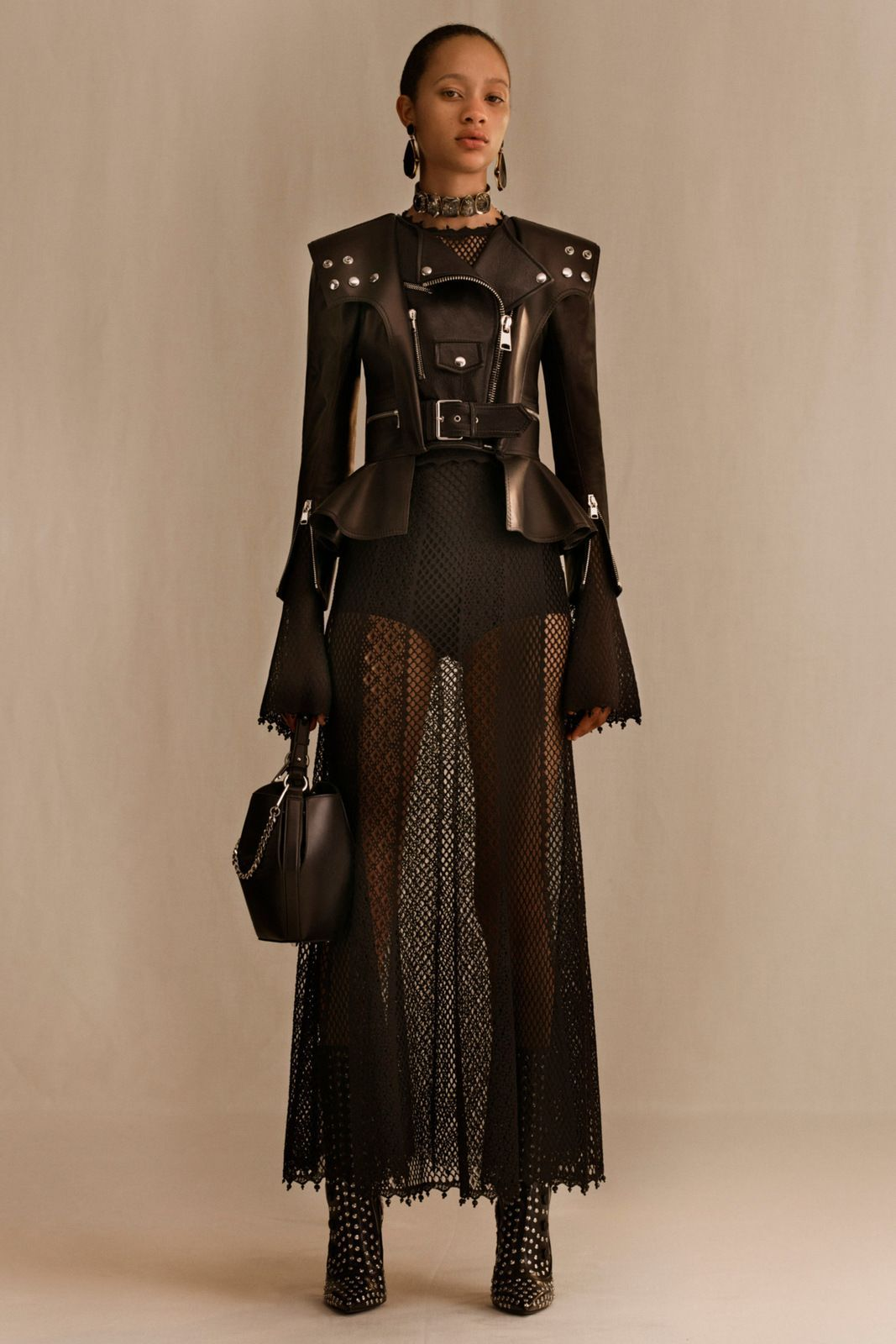 Alexander McQueen Resort 2019 #designer #fashioninspiration #designerclothes #alexandermcqueen