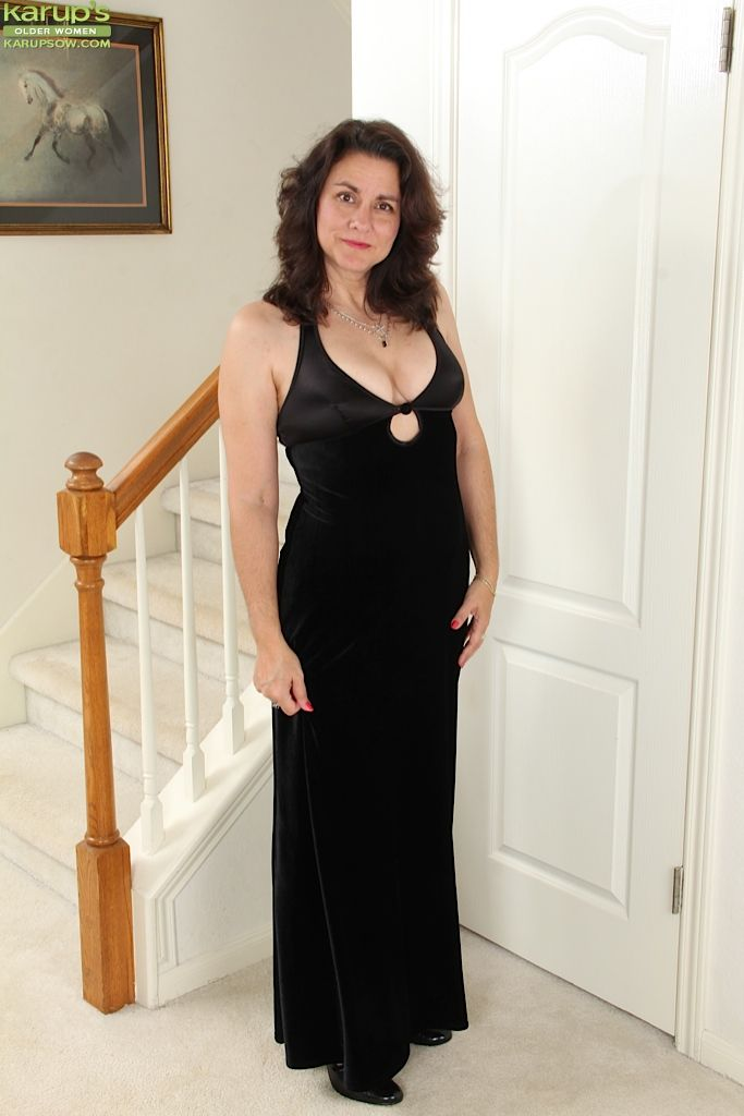 brunette milf gianna jones takes her classy dress off to play with