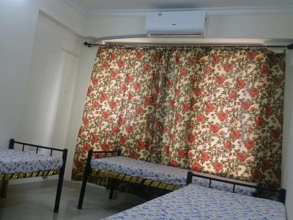 Furnished Girls 038 Boys Paying Guest Rent In Romell Diva Near Link Road Malad West Furnishings Paying Guest Rent
