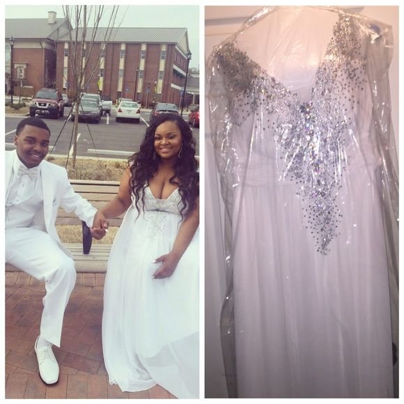 ⚠️24 hour sale⚠ white & silver prom dress❤ 😍 | It is ...