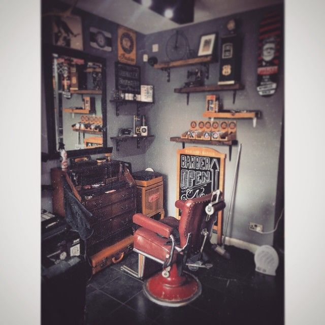 Home away from home. #badlandsbarber #barbershop #barberlife #barber #traditionalbarbershop #traditionalbarber #slickanddestroy #uppercutdeluxe #perth #tayside #scotland