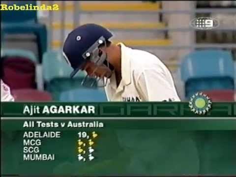 Funny Indian cricket moment, Agarkar raises his bat after scoring a single, after 7 ducks! - http://crickethq.net/funny-indian-cricket-moment-agarkar-raises-his-bat-after-scoring-a-single-after-7-ducks/