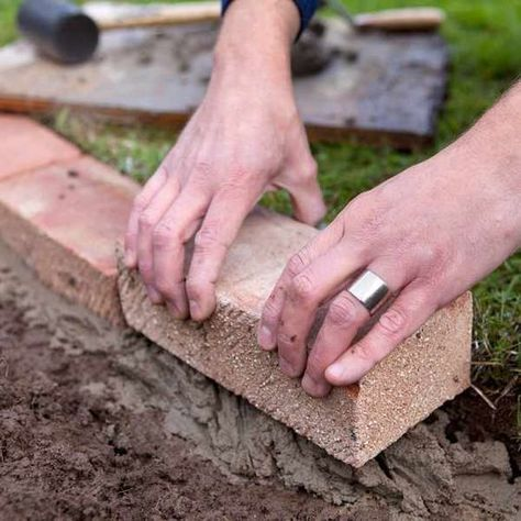 How to edge a lawn with bricks