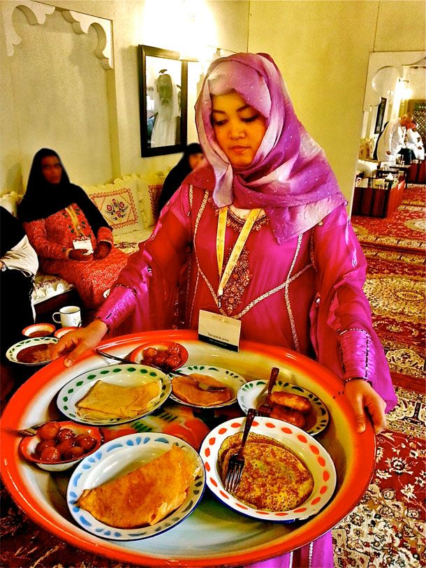 The World Of Emirati Cuisine And Culture Dubai Food Ti Food Cuisine