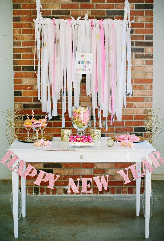 PINK & GOLD SWEETS DISPLAY {Guest Feature}