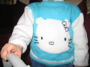 le petit pull hello kitty d'Iliana
