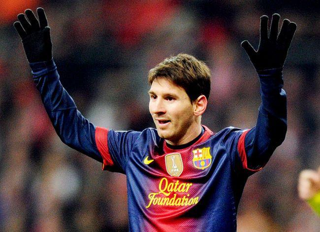 Barcelona anuncia renovação de contrato de Messi