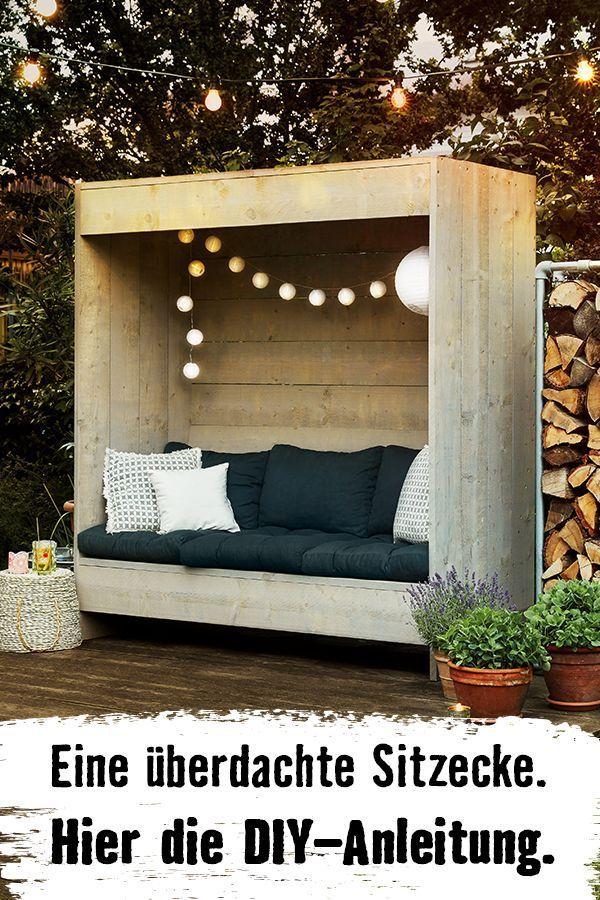 Eine Sitzfläche mit Rückwand für entspannte Tage im Garten. Selbstgebaut. So … #balkonideen