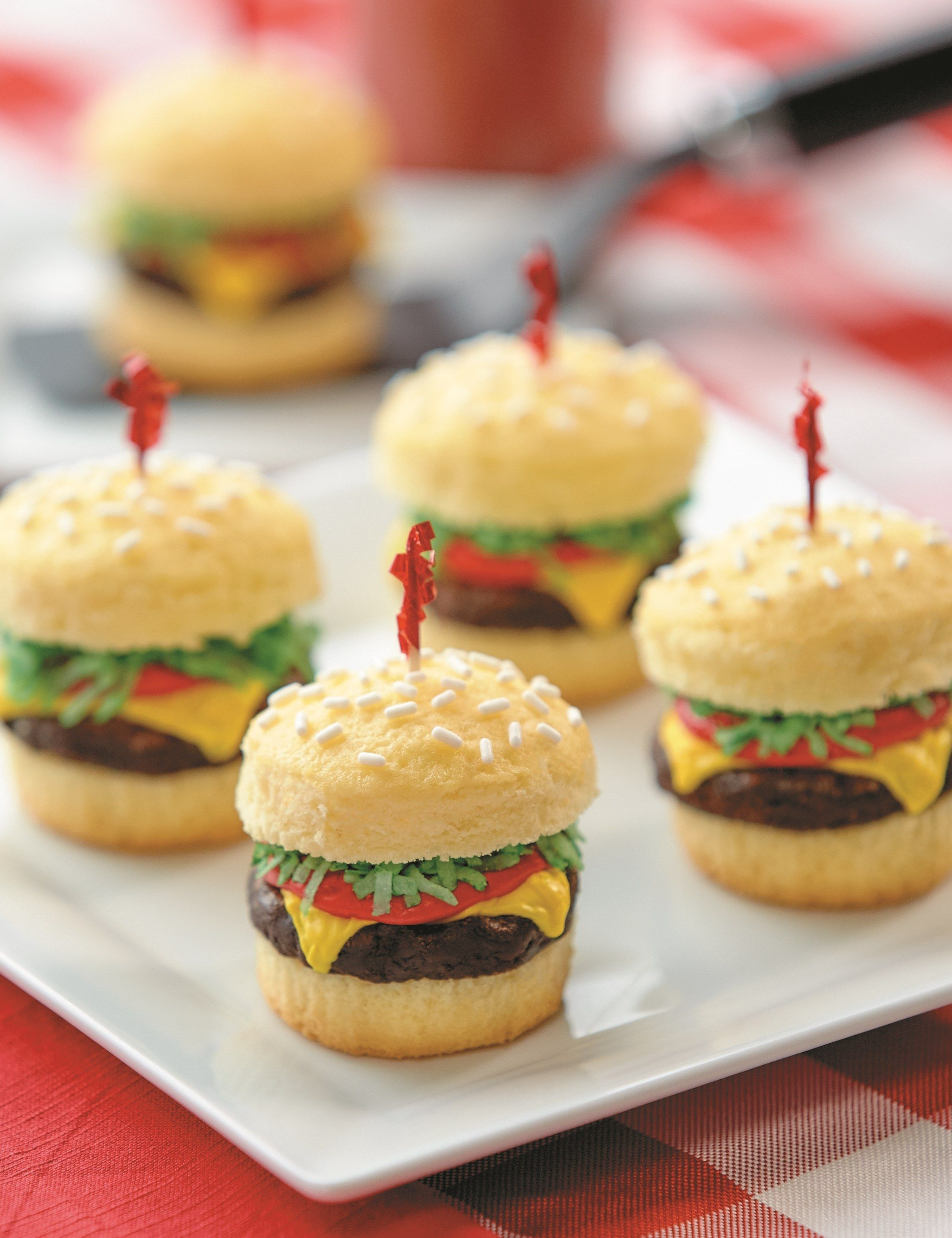 Cheeseburger cupcakes are a thing and we have the full