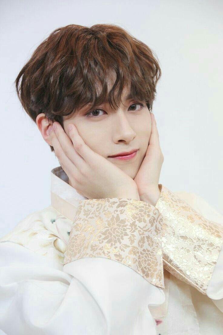 Kpop Idol As Your Wedlug Marka Mewyy Nie Przyjmuje Zadnych Zamowien Losowo Losowo Amreading Books Wattpad In 2020 Kpop Kpop Idol Idol