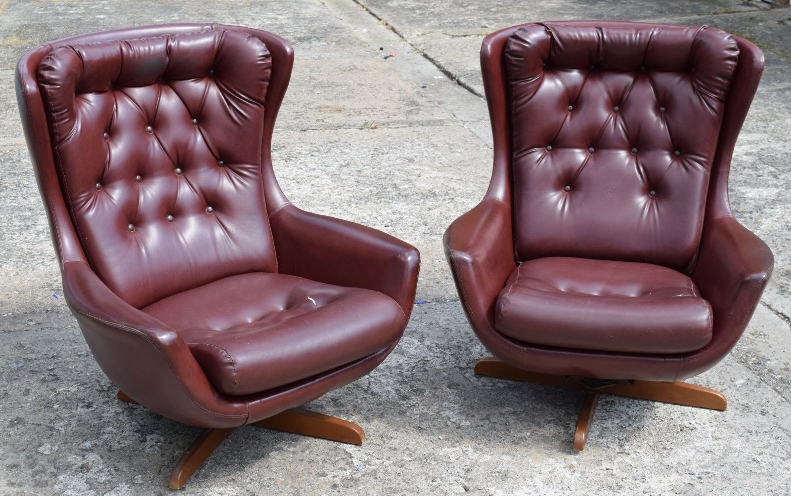 2 retro swivel egg chairs 60s 70s parker knoll