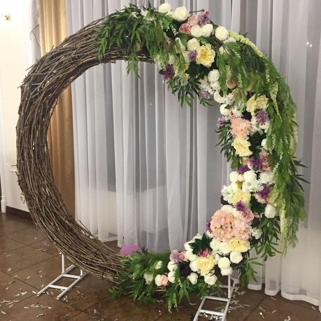 Rustic Wedding Altar Ideas: Сircle Wedding Arch - Decoration Examples