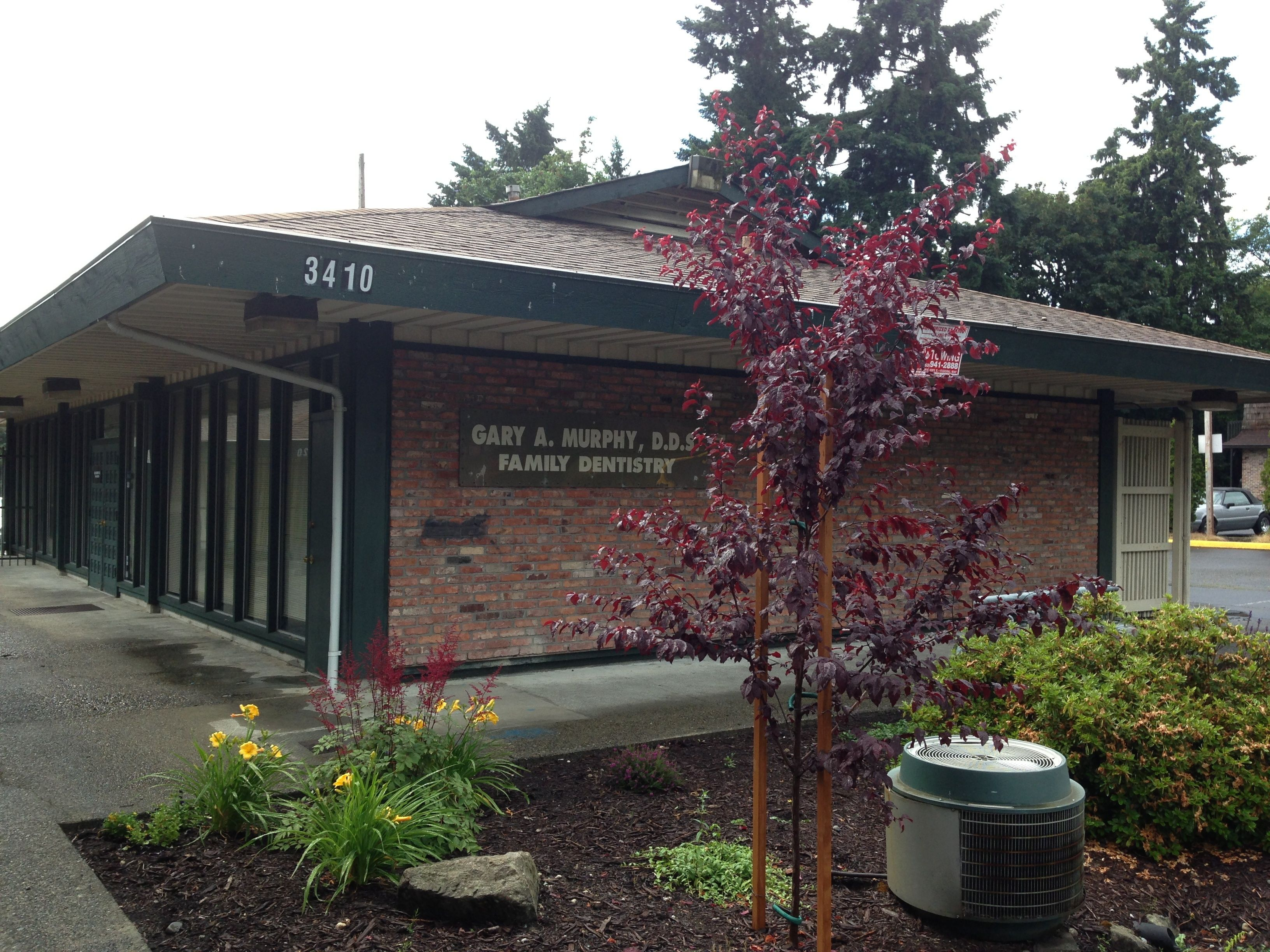 Front view of our office in federal way we have plenty of