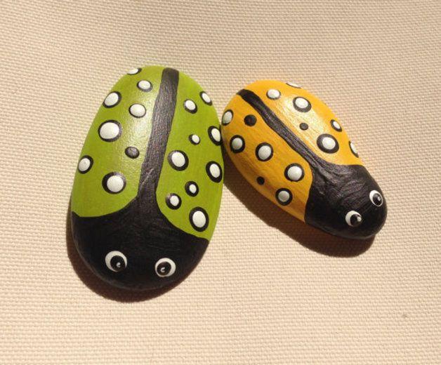 Steine dekorativ gestaltet für den Garten,Blumentopf oder zur - garten mit steinen dekorieren