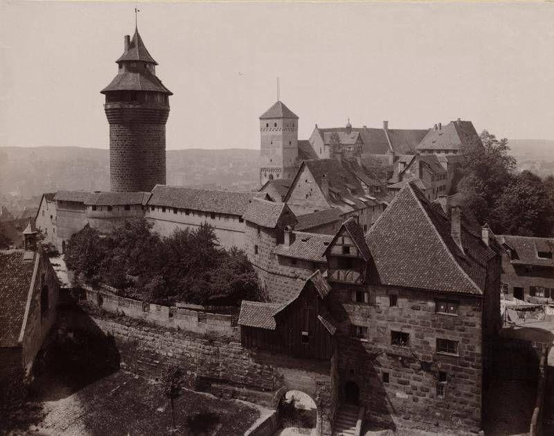 Kaiserburg Nurnberg Burggrafenburg Und Stadtische Bauten Der Nurnberger Burg Kunstnurnberg Deutschland Burgen Nurnberg Burg
