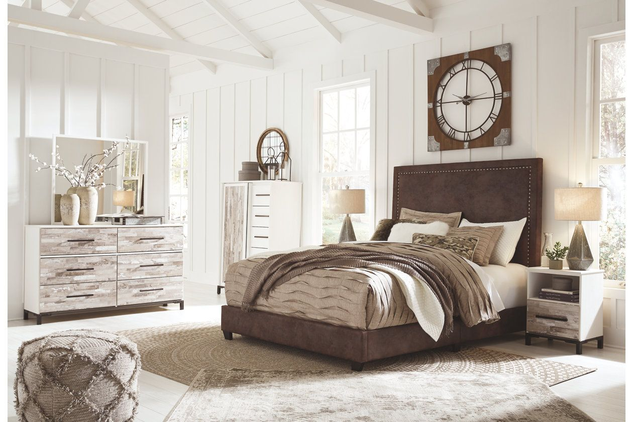 """Dolante Queen Upholstered Bed with 12"""" Hybrid Mattress in"""