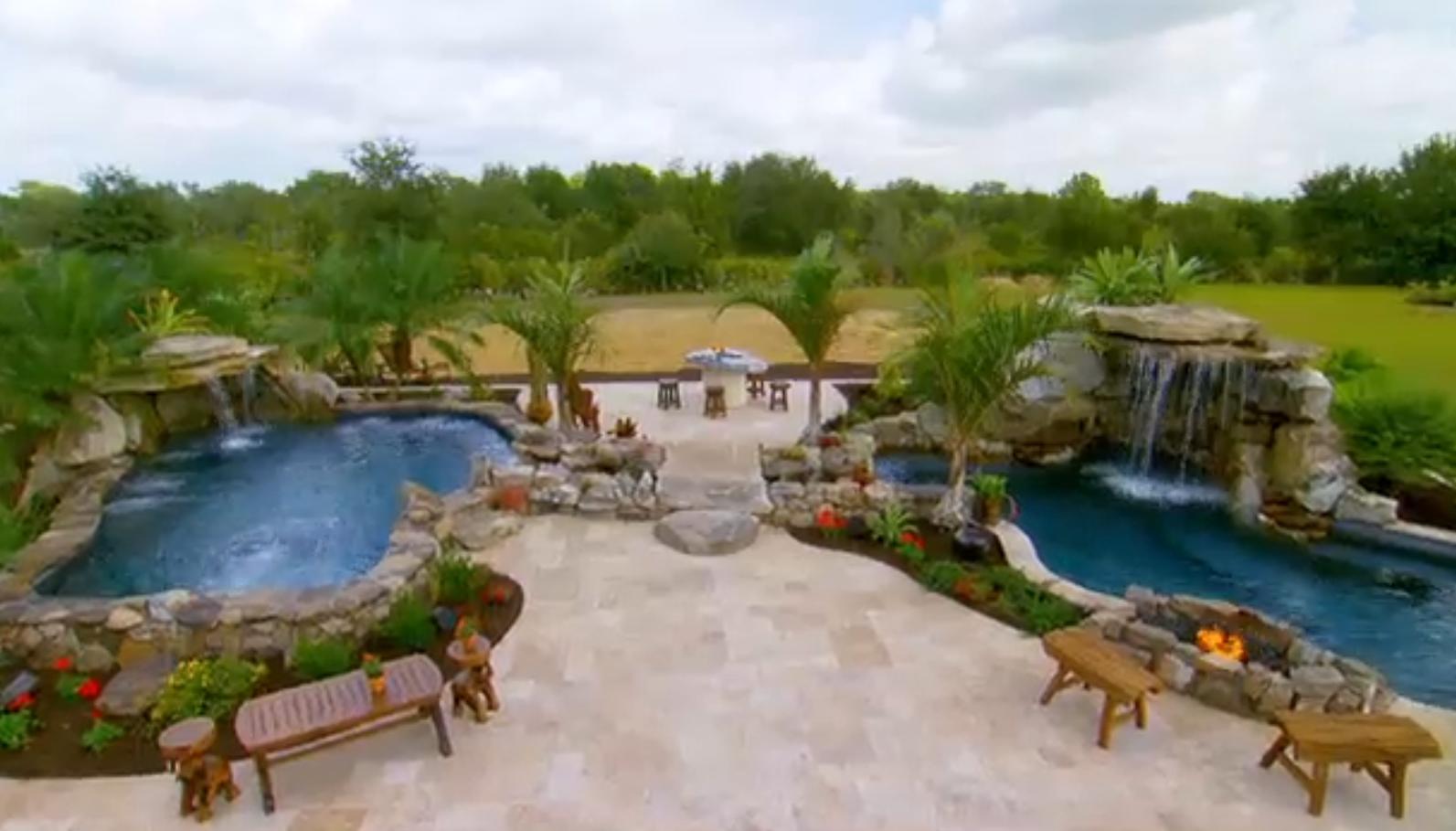 Insane Pools Off The Deep End Insane Pools Luxury Pools Indoor Outdoor Pool